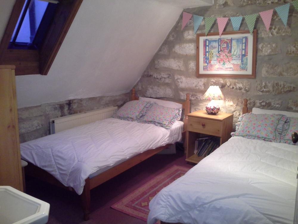 Rear Twin Bedroom
